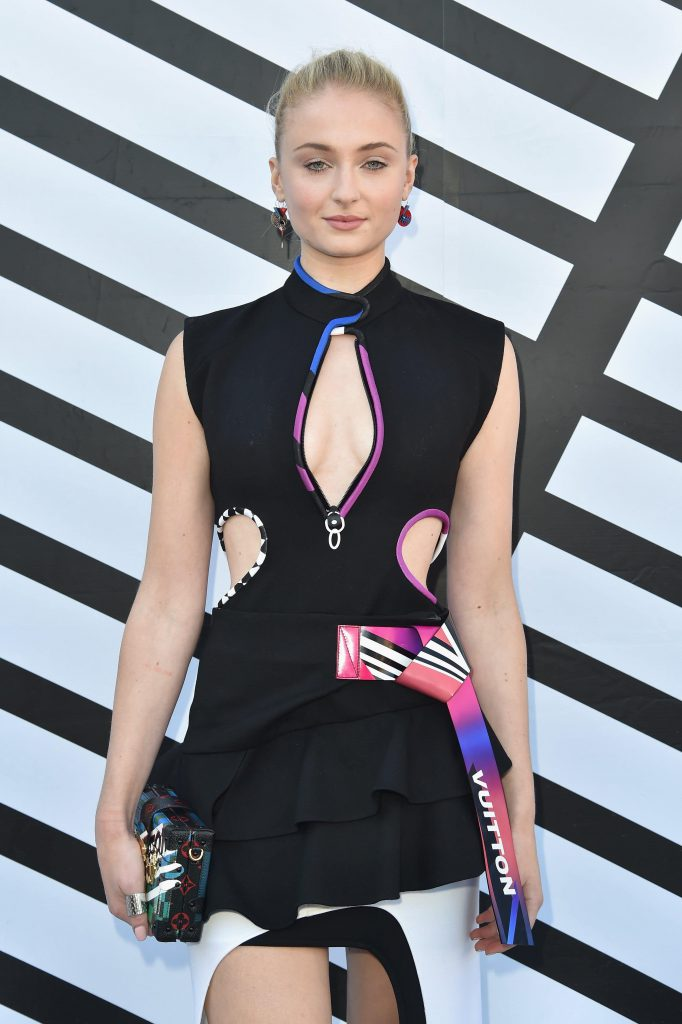 Sophie Turner Sexy Pics