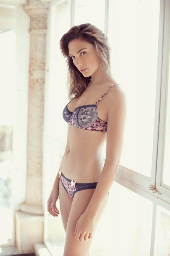 sexy celeb photos
