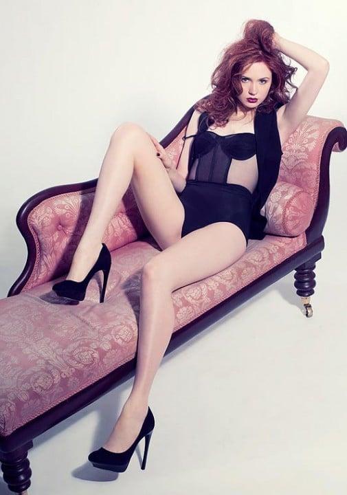 Karen Gillan Sexy Pictures