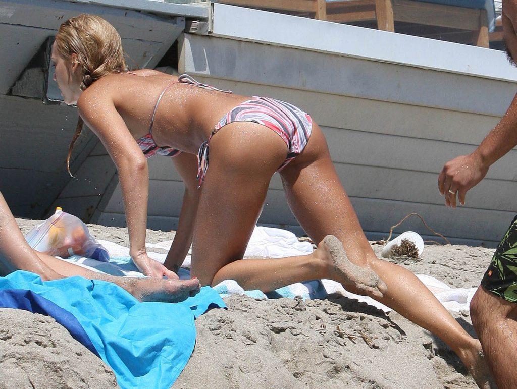 Jessica Alba sexy ass pics