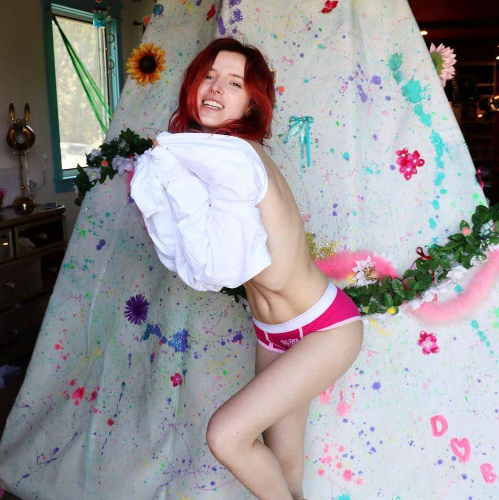 Bella Thorne Snapchat Pics