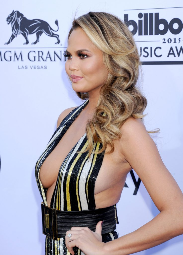 Chrissy Teigen sexy boobs