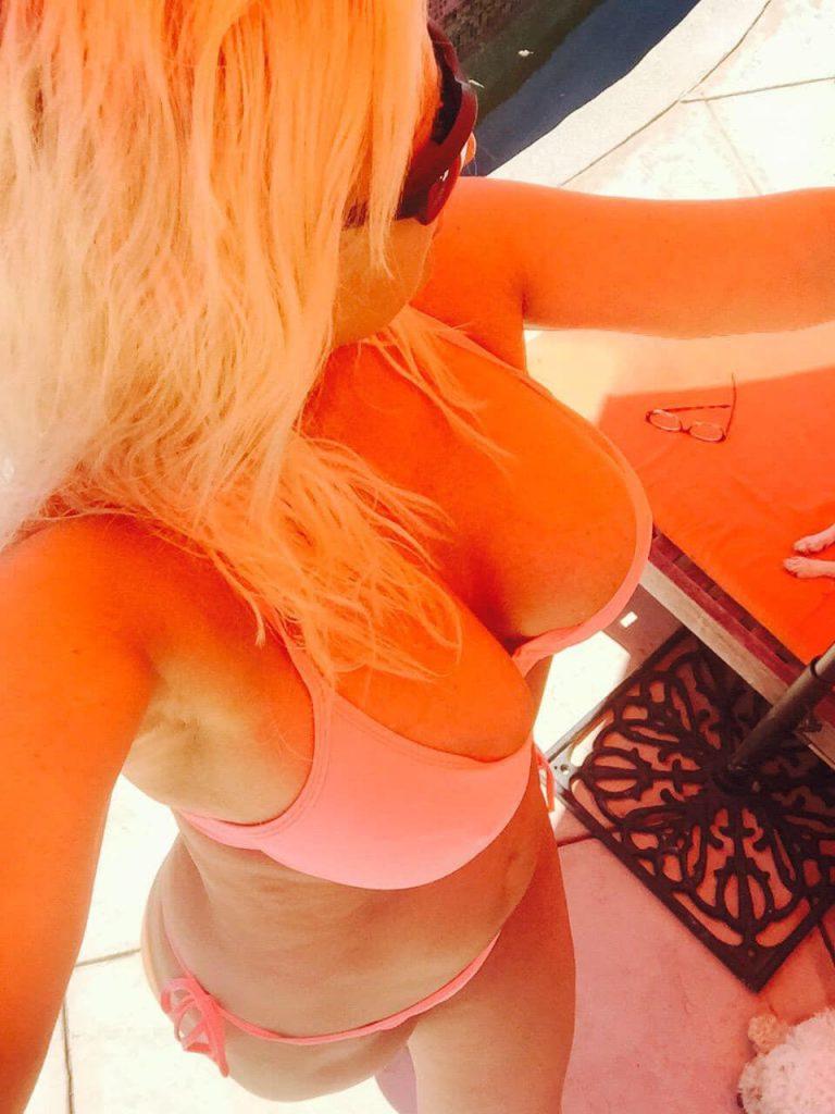 Brooke Hogan boobs