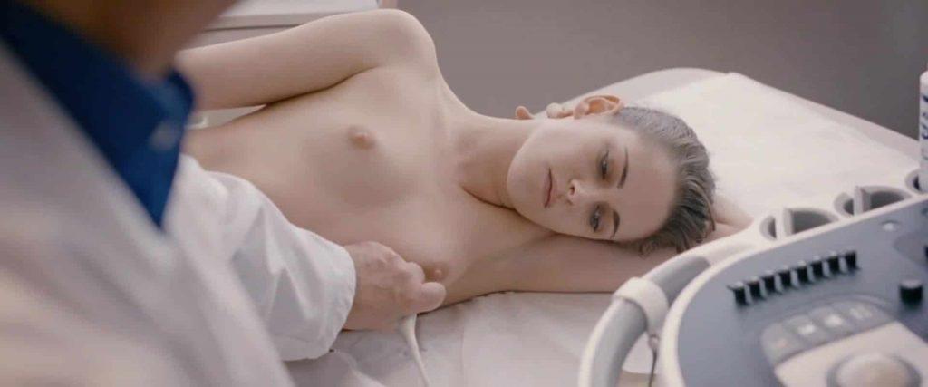 Kristen Stewart boob pics