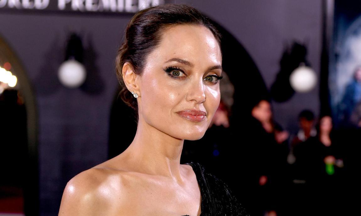 Angelina Jolie Nude Photos, Sex Scenes & Bio Here! - All