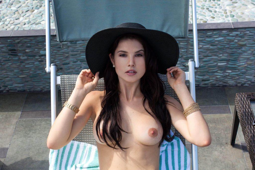 Amanda Cerny Exposed Topless Photos