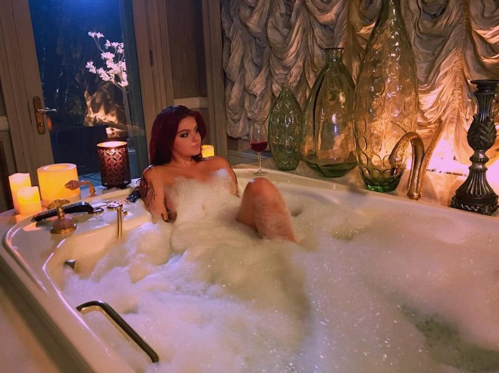 Ariel Winter Nude Leaked Pics