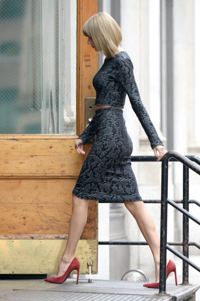 Taylor Swift Sexy Ass Photos