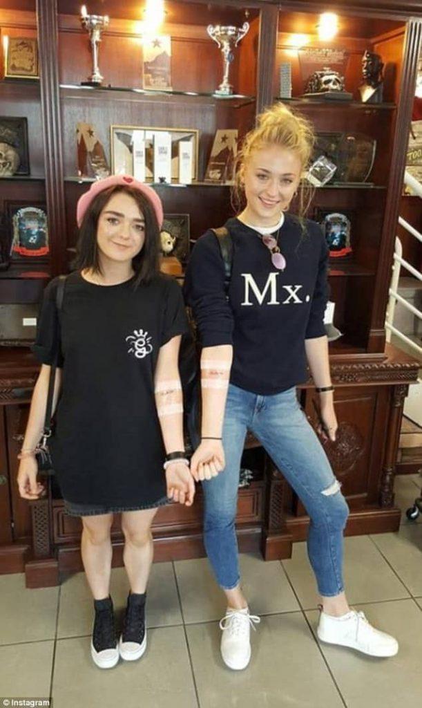 Maisie Williams & Sophie Turner Hot Photos