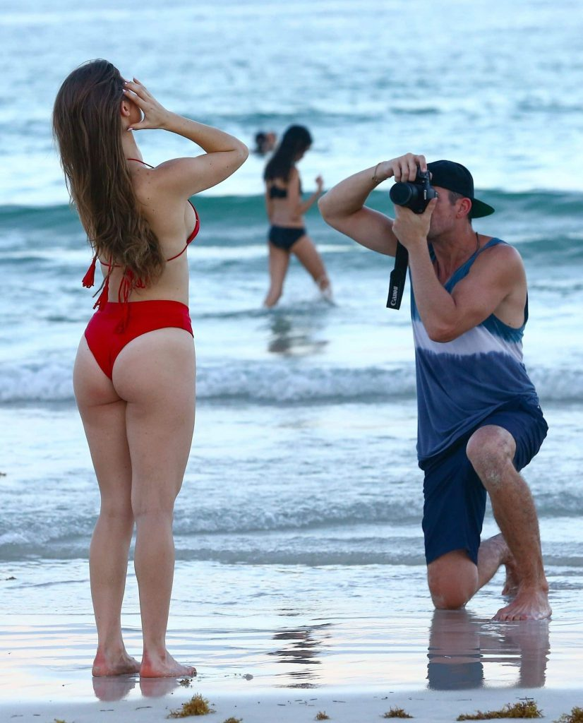 celebs in bikinis