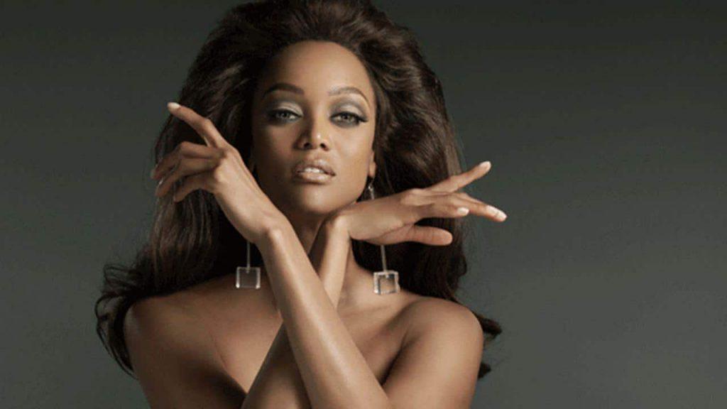 Tyra Banks Modeling Topless Photos
