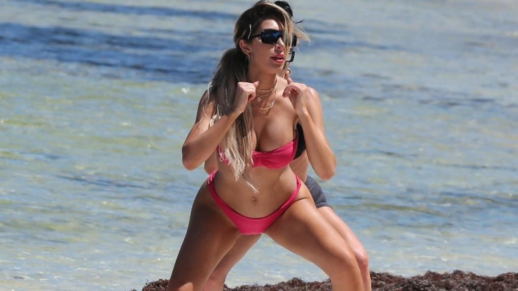 celebs in bikini pics