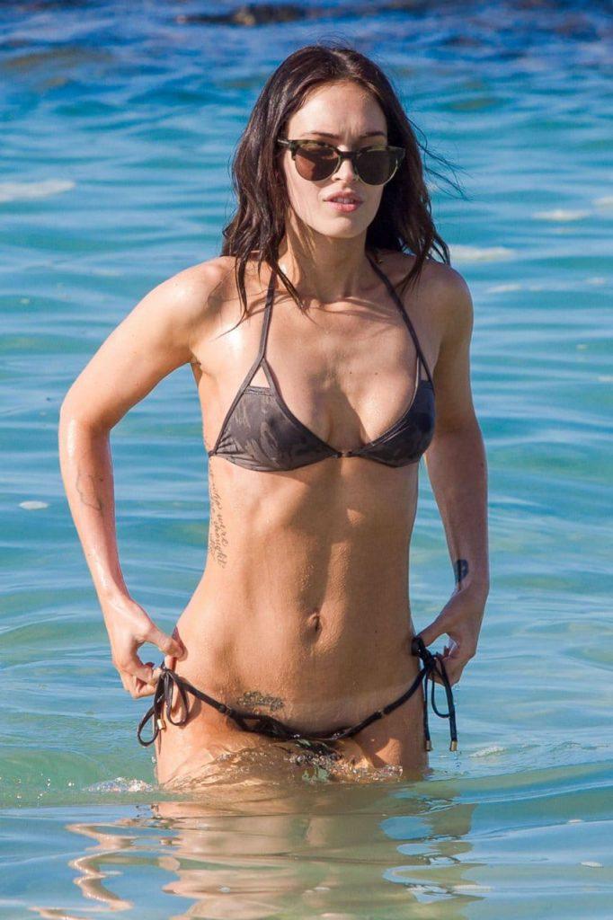 Megan Fox Sexy Bikini Photos