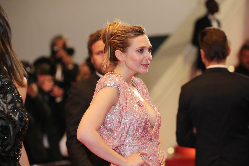 Elizabeth Olsen Titties & Cleavage
