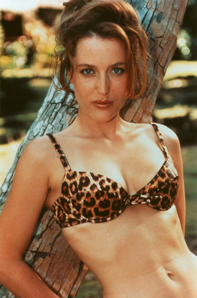 Gillian Anderson bikini pics
