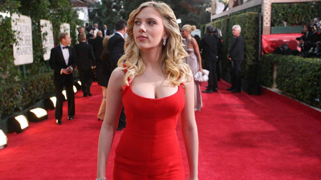 Scarlett Johansson Big Titty Cleavage Exposed