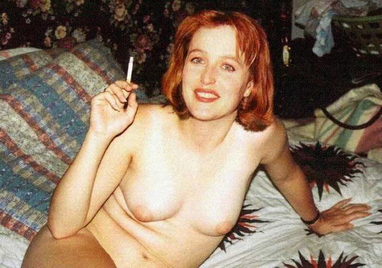 Gillian Anderson Nude Photos