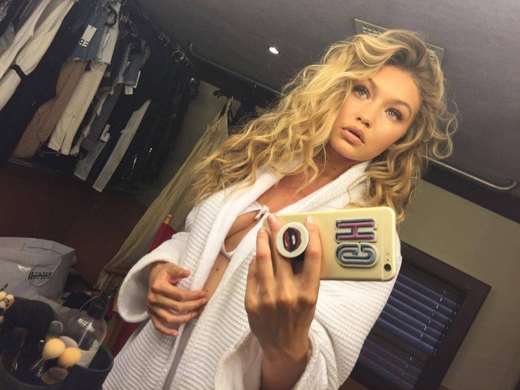 Gigi Hadid Sexy Selfies