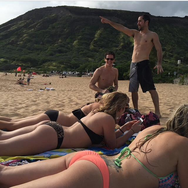 Emily Bett Rickards Ass Pics