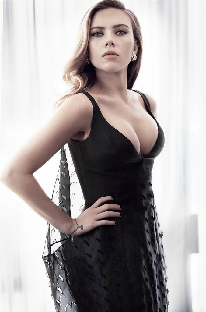Scarlett Johansson Sexy Pics