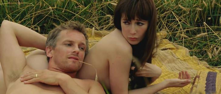 Carice Van Houten Topless – A Woman Goes to the Doctor