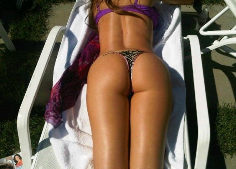 Sofia Vergara bikini ass pics