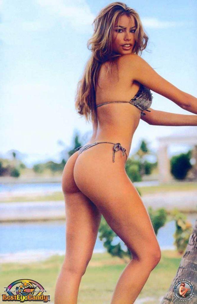Sofia Vergara bikini pics