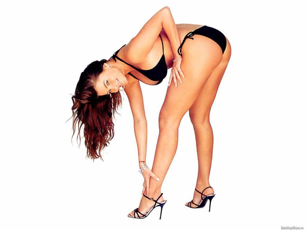 Sofia Vergara bent over ass pics