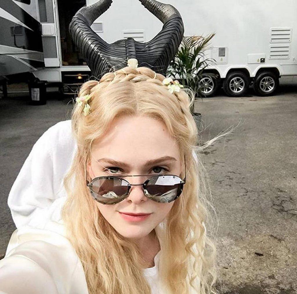 sexy blonde celebs