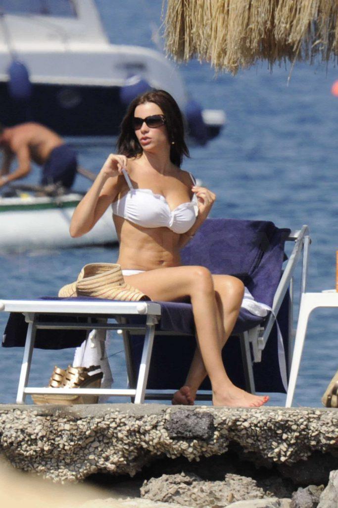 Sofia Vergara Hot Bikini Photos