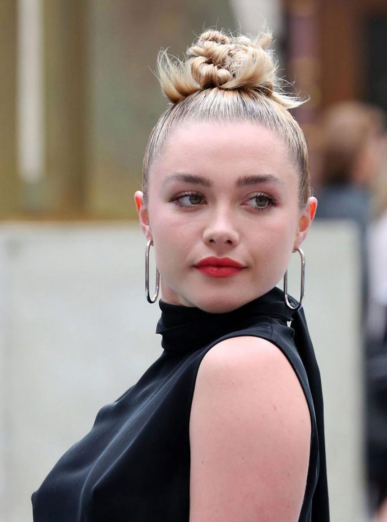 Florence Pugh Sexy Photos
