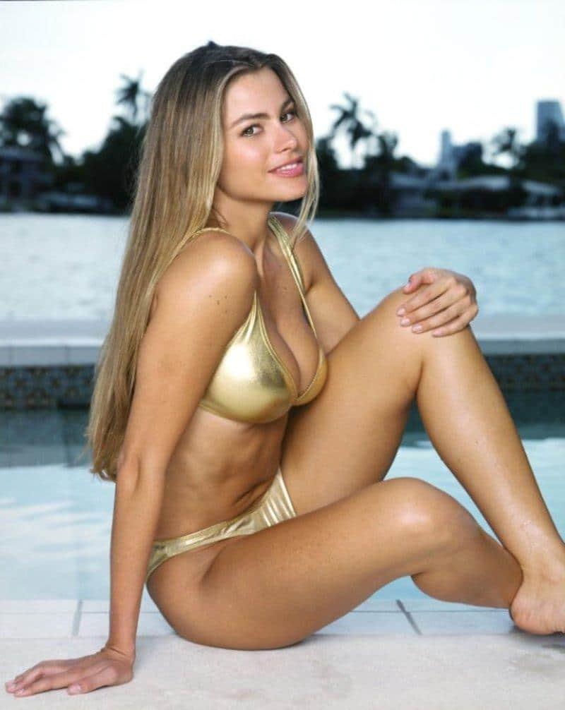 sexy hot Sofia Vergara bikini photos