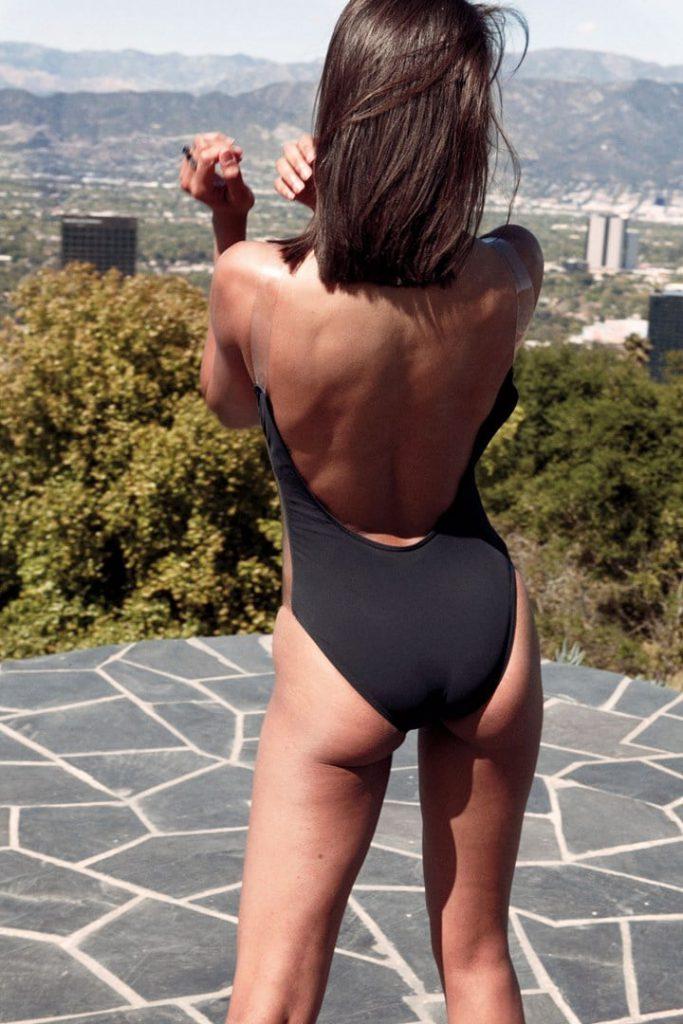 Zoe Saldana ass pics