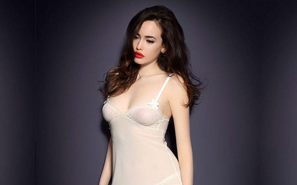 kat dennings boobs