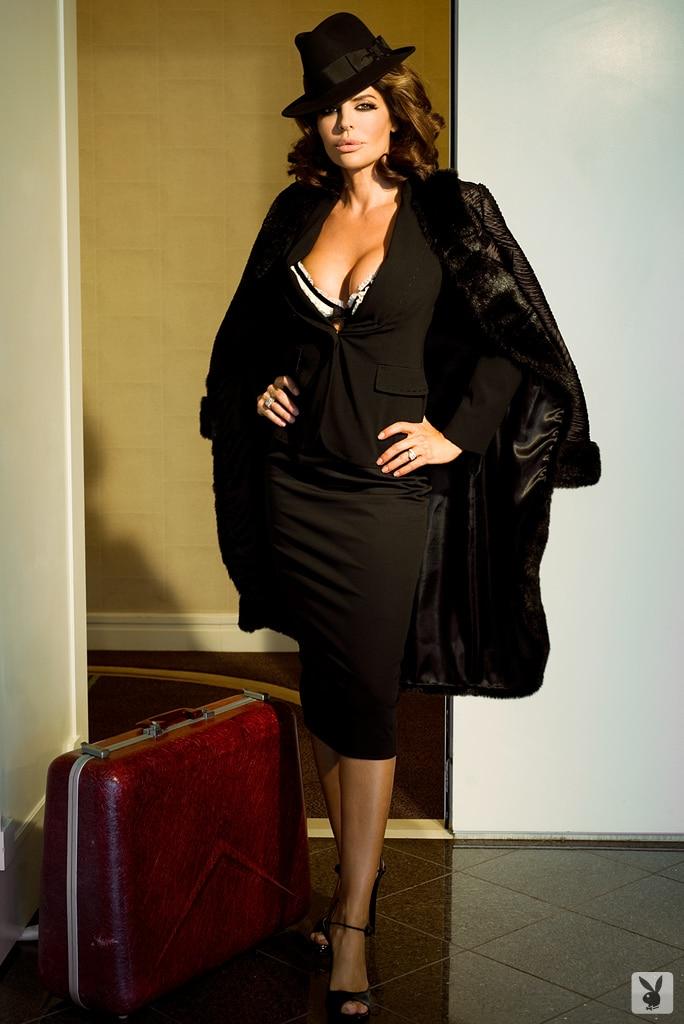 Lisa Rinna Sexy Pics - Topless