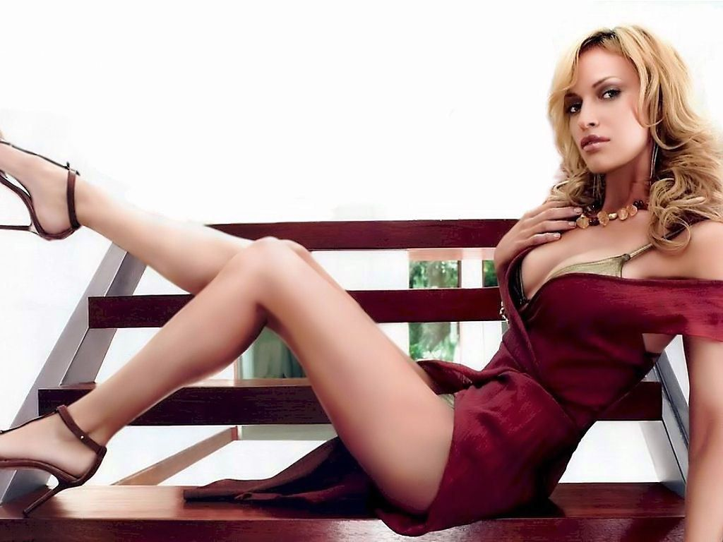 Jolene Blalock Nude & Sexy Pics