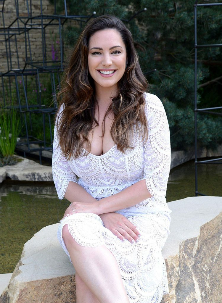 sexy Kelly Brook