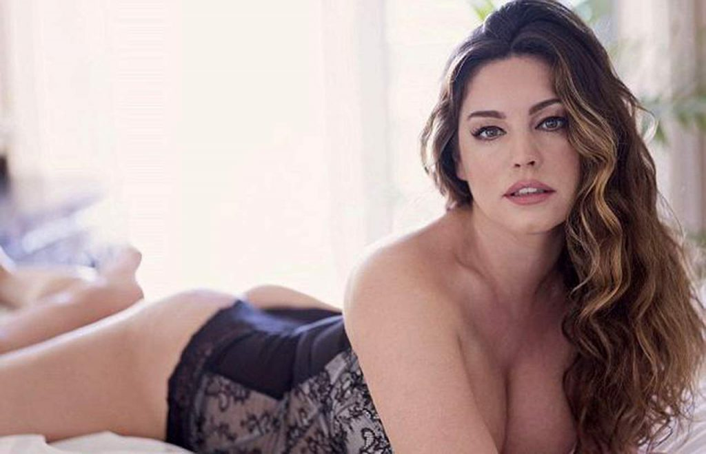 Kelly Brook nude sexy