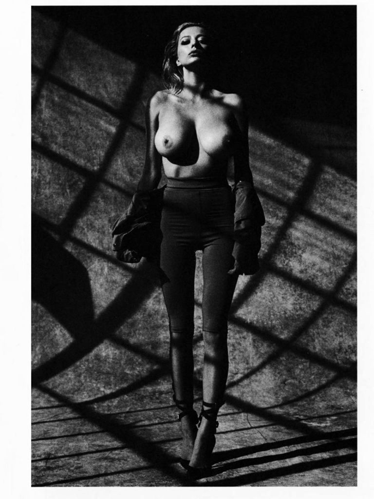 Caroline Vreeland Nude Boob Pics
