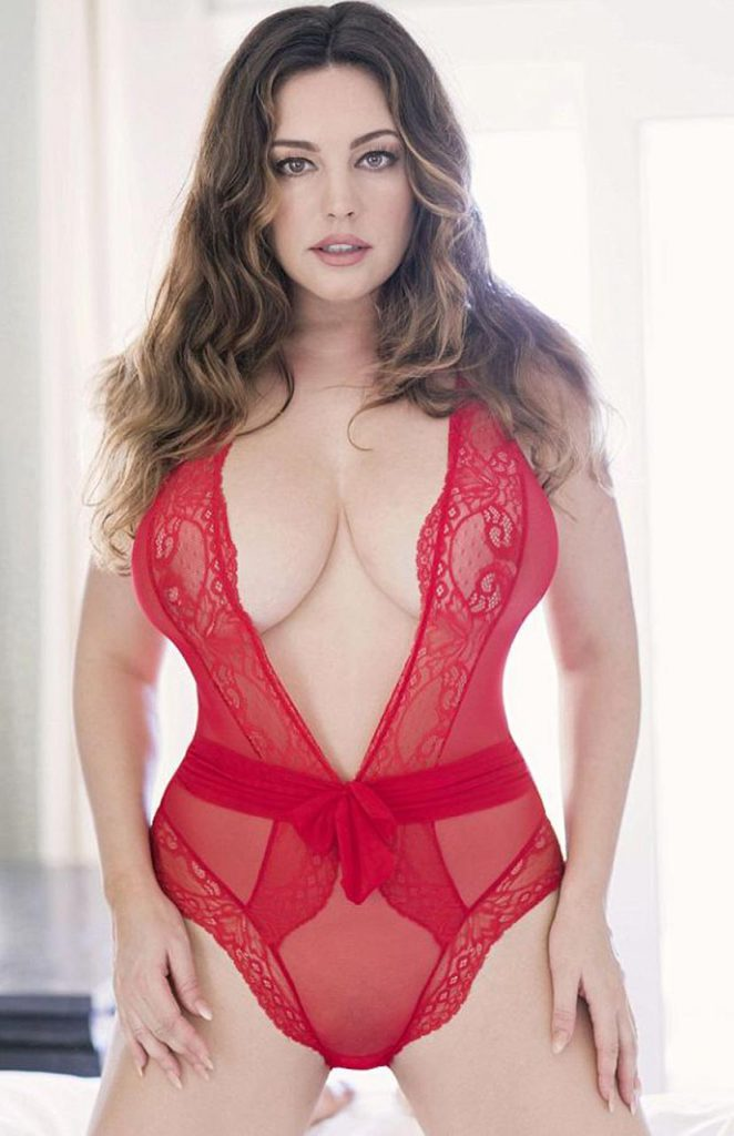 sexy Kelly Brook photos
