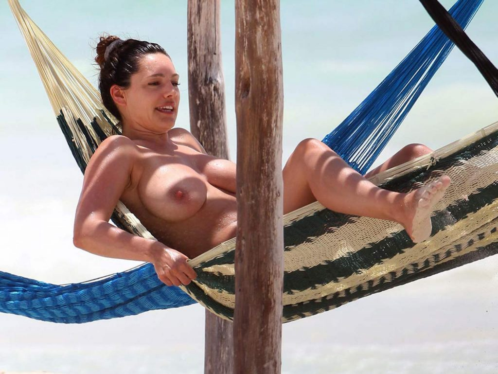 Kelly Brook Topless Photos