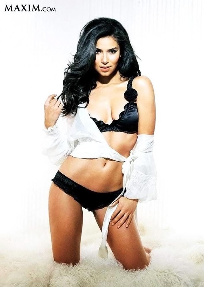 Roselyn Sanchez Nude Sexy Photos