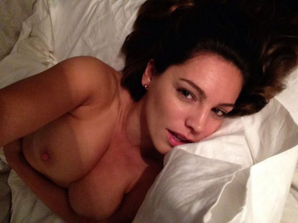 Kelly Brook nude pics