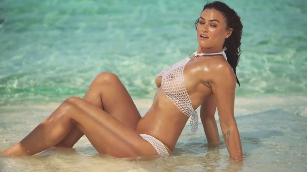 Myla Dalbesionude sexy photos