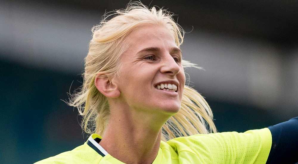 Sofia Jakobsson sexy