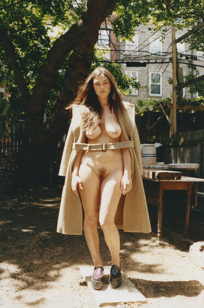 Myla Dalbesio Nude Pics