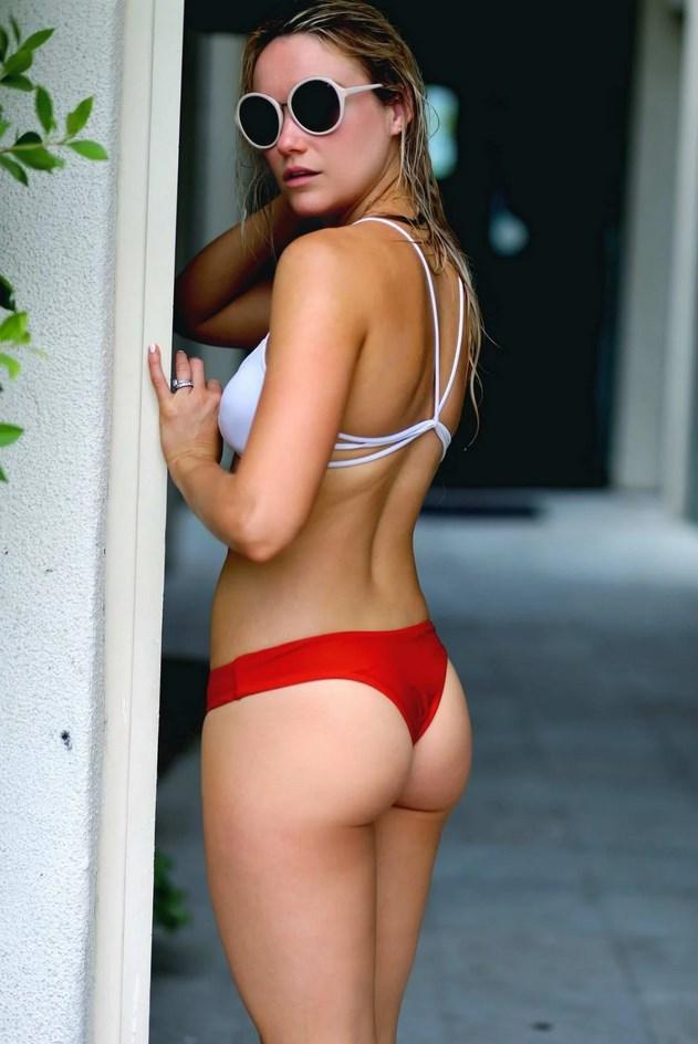 Katrina Bowden Nude Bikini Pics