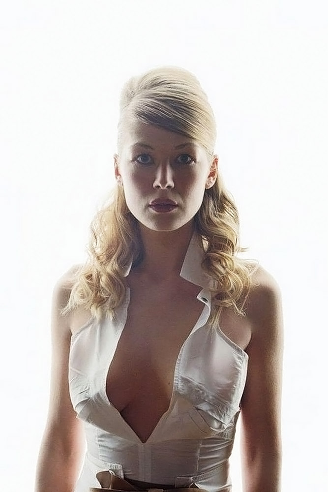 Rosamund Pike Sexy nude Photos