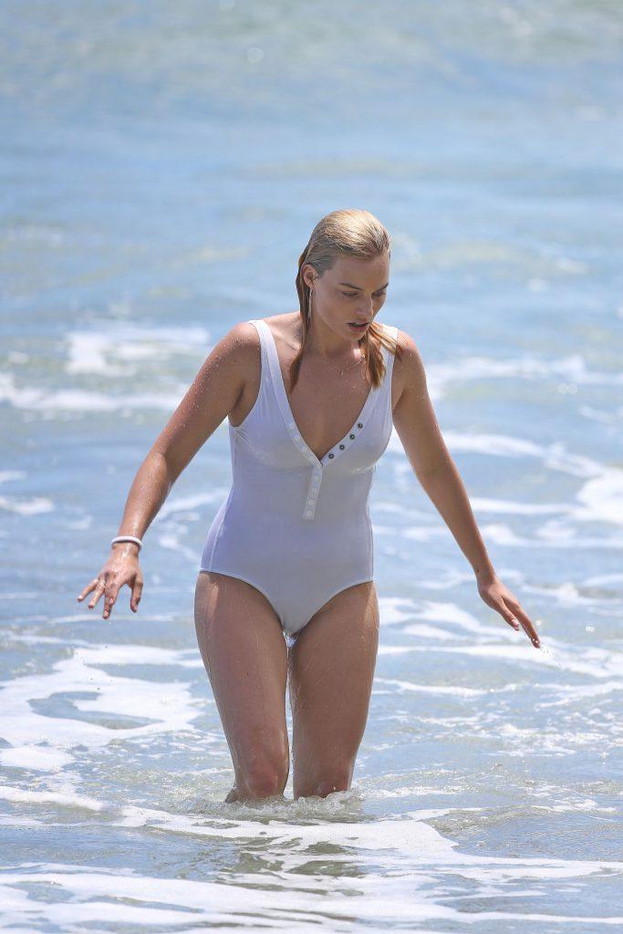 Margot Robbie Nude - Nipples & See Through Pics