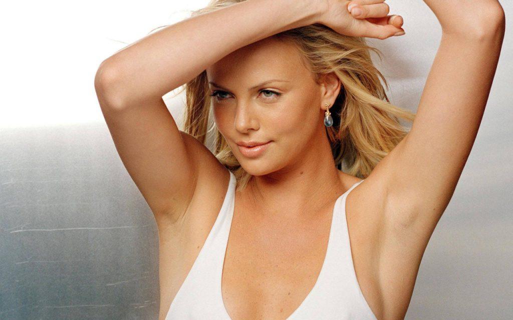 sexy Charlize Theron pics